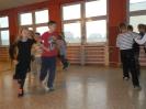 Cotygodniowe zajęcia z tańca towarzyskiego w klasach I-III